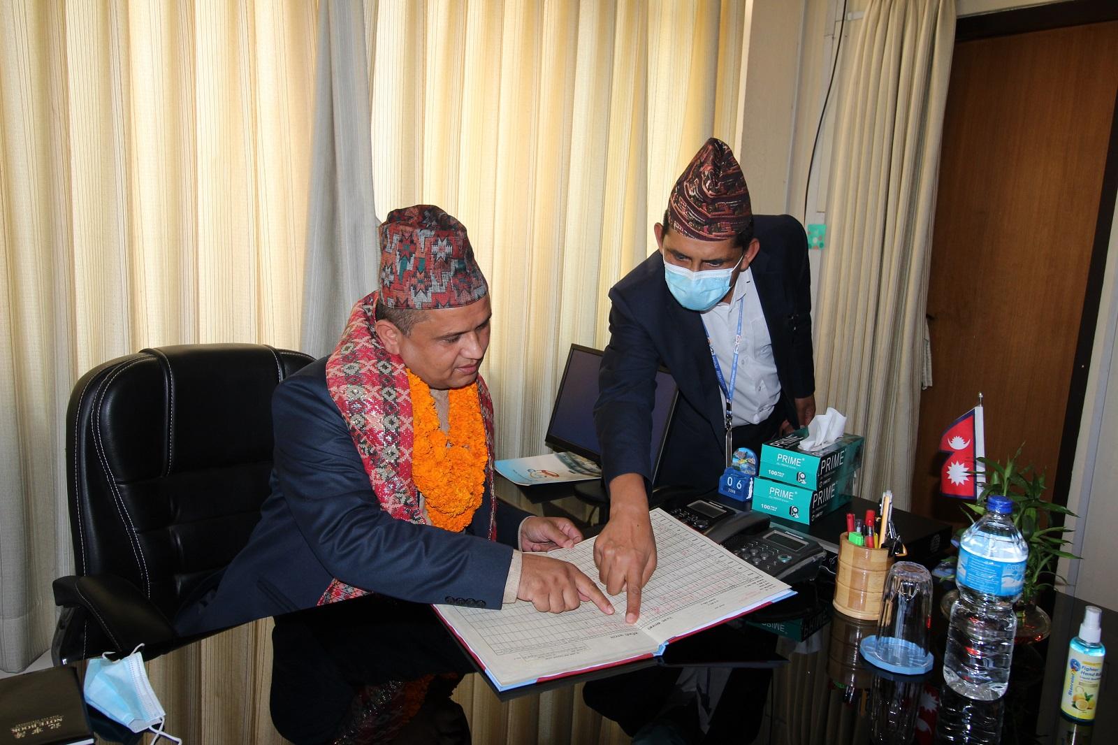 आफ्नो पहिलो हाजिरी गर्दै प्रेस काउन्सिल नेपालका नवनियुक्त अध्यक्ष बालकृष्ण बस्नेत